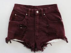 I really like these shorts but I fear that those threads in the middle will make me look like I have a vagina beard. Diesel Punk, Look Fashion, Fashion Outfits, Womens Fashion, Looks Style, Style Me, Cyberpunk, Rockabilly, Grunge