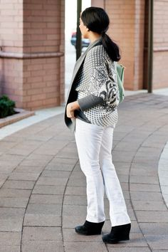 White jeans in winter can be done. http://hithaonthego.com/merry-merry