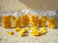Pasta pasta for the shop or play kitchen from kleineSCHWESTER on DaWanda . Food Crafts, Kids Crafts, Diy And Crafts, Simple Crafts, Clay Crafts, Felt Diy, Handmade Felt, Diy For Kids, Gifts For Kids