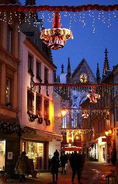 Mulhouse Christmas Market 2020 - Dates, hotels, things to do,. Christmas Carol, Christmas Presents, Christmas Holidays, Xmas, Christmas Tree, Christmas Markets Europe, The Visitors, Amazing Destinations, Beautiful Christmas