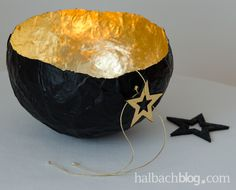 DIY-Idee halbachblog: Windlicht aus Pappmaché, Schwarz mit Blattgold