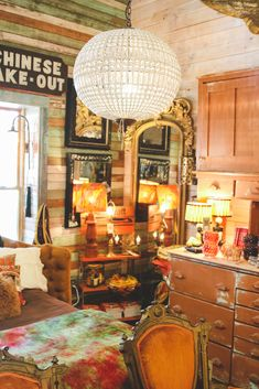 Our visit to the Junk Gypsy Headquarters in Round Top, Texas during Antiques Week. Boho Glam Home, Gypsy Home, Hippie Home Decor, Diy Home Decor, Room Decor, Western Rooms, Western Decor, Junk Gypsies Decor, Round Top Texas