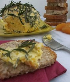 Last Minute Thanksgiving Appetizer: Apricot Goat Cheese Ball with Fried Rosemary…