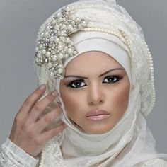 The New Dubai Fashion Trend: The 'Camel Hump' http://www.fashioncentral.pk/pakistani/trends/story-1543-new-dubai-fashion-trend-camel-hump/