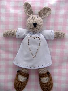 knitted bunny by Neet Designs, via Flickr