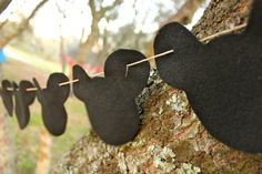 Mickey Mouse Ears Black Felt Garland by DovDesigns on Etsy Fiesta Mickey Mouse, Mickey Mouse Bday, Mickey Mouse Clubhouse Birthday, Mickey Party, Mickey Mouse Birthday, Baby First Birthday, 1st Birthday Parties, Birthday Ideas, Adult Party Themes