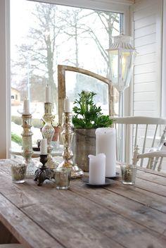 Brīnīšķīga svečturu kompozīcija.. Noderēs šie! -> http://www.pier.lv/lv/products/24