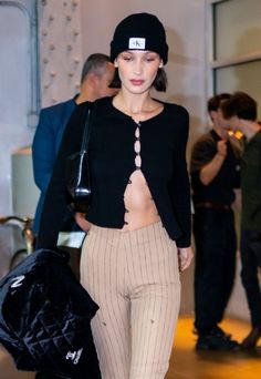 Bella Hadid Outfits, Bella Hadid Style, Warm Outfits, Casual Outfits, Cute Outfits, Fashion Killa, Girl Fashion, Fashion Outfits, Nyc Girl