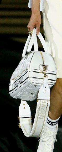 Miss Dior, Bags, Fashion, Handbags, Moda, Fashion Styles, Fashion Illustrations, Bag, Totes