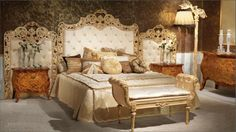 Luxurious Bedroom Ideas With Classic Glamour Style Brown Wallpaper Including King Size Bed Plus Lamp Standing Beside Brown Vanity Outsized Luxurious Bedroom Ideas Matching the Classic Glamour House Design Bedroom design