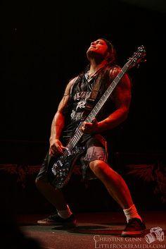 Robert Trujillo of Metallica by Christine Gunn. Jason Newsted, Cliff Burton, Robert Trujillo, Heavy Metal Rock, Heavy Metal Music, Heavy Metal Bands, James Hetfield, Dave Mustaine, Blues Rock