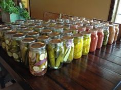 Canning and Preserving with  livinlovinfarmin.com. Tons of tried and true deliciously easy canning recipes. Tomatoes. Soups. Sauces. Fruits. Applesauce.  Jams. Bone Broth