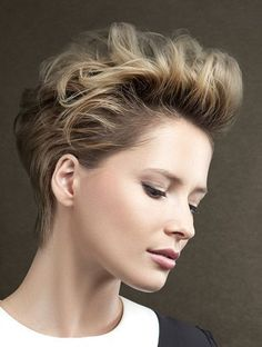 Pixie haircut with volume styling. The hair is style upwards, to the back and it keeps the face free. Short Blunt Hair, Short Curly Hair, Short Hair Cuts, Curly Hair Styles, Natural Hair Styles, Long Straight Black Hair, Short Hair With Layers, Short Haircut Styles, How To Lighten Hair