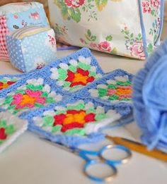Granny squares **So pretty!! Thanks for sharing!**