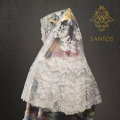 ¡Hoy la Mantilla de Media Luna Emma-R Salpicada! 💛 Textiles, Ballet Skirt, Victorian, Skirts, Instagram, Dresses, Fashion, Gowns, Petticoats