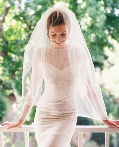 45 Fabulous bridal veils and headpieces   http://fabmood.com/45-fabulous-bridal-veils-headpieces/