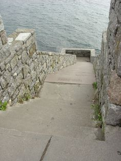 the forty steps ~ cliff walk Newport    #VisitRhodeIsland