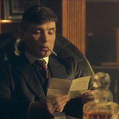 Cillian Murphy as Thomas Shelby Peaky Blinders 💜 Peaky Blinders Series, Peaky Blinders Thomas, Cillian Murphy Peaky Blinders, Boardwalk Empire, Cillian Murphy Tommy Shelby, Grace Burgess, Birmingham, Foreign Celebrities, Steven Knight