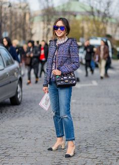 Aimee Song is wearing a Chanel blazer jacket and Chanel sunglasses and black bag and ripped blue denim jeans and Chanel shoes outside Chanel during. Fashion Week Paris, Slingback Chanel, Fashion Advice, Fashion Outfits, Style Fashion, Fashion Beauty, Look Blazer, Blazer Jacket, Dresscode