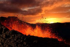 Hawaii Volcanoes Heat Up Your Hawaiian Vacation - If you're not staying in the Big Island and want to see Hawaii volcanoes, no problem! We offer day trips to the Big Island that are all inclusive—we'll have you back at your hotel that same night.