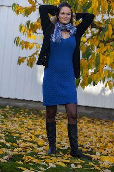 Denne kjolen, med strikket bærestykke og heklet skjørt, sitter som et skudd! I herlig bomull- og merinoblanding er den også supermyk og behagelig å ha på. Føl deg som en dronning til hverdags eller på fest i denne! E Design, Sweaters, Dresses, Fashion, Vestidos, Moda, Fashion Styles, Sweater, Dress