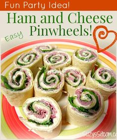 These Ham & Cheese Pinwheels are a fun weekend lunch idea that'll make the whole family happy.