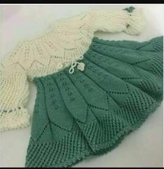 Diy Crafts - This Pin was discovered by Hob Diy Crafts Knitting, Knitting For Kids, Baby Knitting Patterns, Knitting Designs, Hand Knitting, Crochet Patterns, Knit Baby Dress, Crochet Baby Cardigan, Knitted Baby Clothes