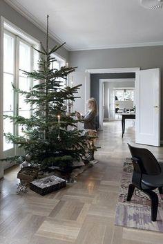 Muebles de diseño y decoración navideña nórdica