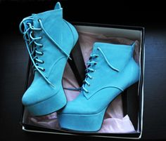 I just want this so bad, if anybody gets them for me i will forever be grateful of you! :)