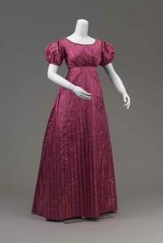 Dress: early 19th century, American, silk figured weave, silk and cotton lining, silk piping.