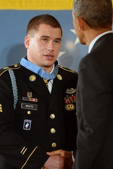 Kyle J. White received the MOH for his actions in Afghanistan 8 years ago today (9 Nov 2007) for administering life saving medical aid to comrades and radioing situational reports, in which five soldiers and a Marine were killed and all eight surviving Americans were wounded. The following day, White was inducted into the Pentagon's Hall of Heroes by Deputy Defense Secretary Bob Work. Military Police, Military Veterans, Army Medals, Medal Of Honor Recipients, American Veterans, Real Hero, Freedom Fighters, United States Army, Afghanistan