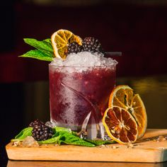View our Blackberry Bramble Gin Cocktail Recipe. Join our gin club to enjoy premium craft gins that you can't buy in the supermarket. New Year's Eve Cocktails, Non Alcoholic Cocktails, Gin Cocktail Recipes, Festive Cocktails, Christmas Cocktails, Craft Cocktails, Wine Cocktails, Bramble Cocktail, Cocktail Garnish