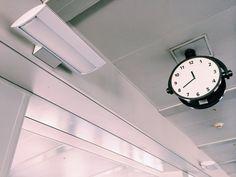 Airport : clock