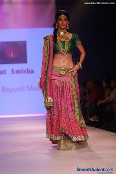 Dipti Amisha Jewels Show at IIJW 2014 - Day - 2 #lehenga #choli #indian #hp #shaadi #bridal #fashion #style #desi #designer #blouse #wedding #gorgeous #beautiful