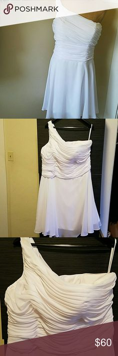 "Beautiful Summer Affair Gorgoues elegant white goddess dress. Ruched top with flowy ruffled edge skirt. Fully lined, light padded bra and zipper back closure. No stretch 41"" Long (shoulder to hem) 22"" Bust  20"" waist boutique Dresses One Shoulder"