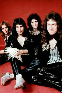 Drummer Roger Taylor, singer Freddie Mercury , guitarist Brian May and bassist John Deacon of British rock band Queen pose in London, England in Get premium, high resolution news photos at Getty Images Glam Rock, Rock Chic, Queen Freddie Mercury, John Deacon, Queen Photos, Queen Pictures, Queen Images, Queen Love, Save The Queen
