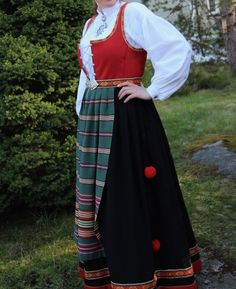 Waist Skirt, High Waisted Skirt, Folklore, Norway, Costumes, Traditional, Skirts, Fashion, Moda