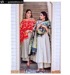 Red and black dupattas with utmost intricate perfection. Casual Indian Fashion, Indian Fashion Dresses, Dress Indian Style, Fashion Outfits, Fashion Weeks, Trendy Outfits, Kurta Designs, Kurti Designs Party Wear, Blouse Designs