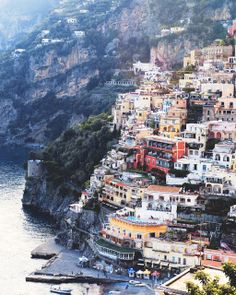 Amalfi Coast of Italia. This is Positano I think! One of my favorite places! Vacation Destinations, Dream Vacations, Vacation Spots, Places To Travel, Places To See, Voyage Europe, Amalfi Coast, Amalfi Italy, Future Travel