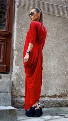 NOUVEAU Maxi Robe Kaftan asymétrique / longue robe / par Aakasha