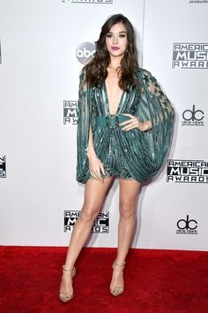 Hailee Steinfeld in ELIE SAAB Spring Summer 2016 at the 2016 American Music Awards