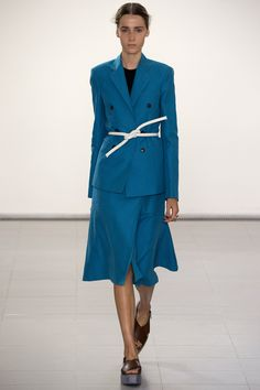 See all the Collection photos from Paul Smith Spring/Summer 2016 Ready-To-Wear now on British Vogue Fashion Week, Blue Fashion, New York Fashion, Spring Fashion, Fashion Show, Fashion Design, Fashion Trends, London Fashion, Paul Smith