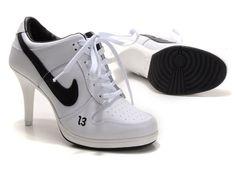 innovative design 17509 143c3 Buy Womens Nike Dunk High Heels Low Shoes WhiteBlack Super Deals from  Reliable Womens Nike Dunk High Heels Low Shoes WhiteBlack Super Deals  suppliers.