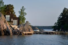 Eget hus/egen lgh i Värmdö NV, Sverige. Perched on the edge of a tiny island in the Stockholm Archipelago, this unusual and charming wooden house promises a harmonious vacation. Natural Swimming Pools, Natural Pools, Stockholm Archipelago, Things To Do Nearby, Old Mansions, Unusual Homes, Sauna, Wooden House, Grand Hotel