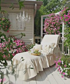 Junk Chic Cottage: Garden Sanctuary and New Lounge Chair Slipcover I love this shabby-chic look so simple yet so elegant-i could spend hours in this lounge chair.