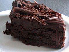 Skvělý čokoládový dort s malinami.