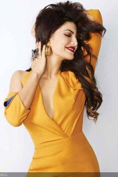 B-Town hottie, Jacqueline Fernandez, stuns the fashion-circles with her latest smoking-hot photoshoot for a magazine.