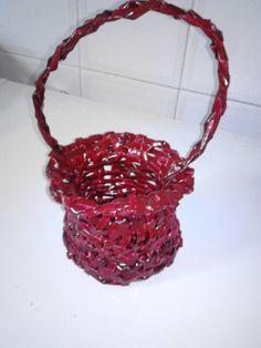 CESTO Crochet Necklace, Jewelry, Newspaper, Flower, Craft, Hampers, Jewlery, Jewerly, Schmuck