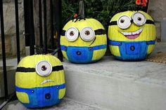 If you love crafts, Halloween, painting, and the cute minions from Despicable Me then you will absolutely LOVE these DIY painted pumpkins by Craftberry Bush. She has managed to create some of the most fun looking Halloween pumpkins I have ever seen. Fröhliches Halloween, Adornos Halloween, Holidays Halloween, Halloween Pumpkins, Halloween Decorations, Halloween Costumes, Halloween Minions, Minion Costumes, Funny Pumpkins
