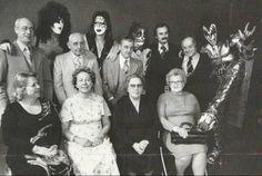 Rock group KISS and their parents Kiss Group, Nassau Coliseum, Kiss Band, Rude Boy, Heavy Metal Music, The Monkees, Beatnik, Photo Essay, Musica